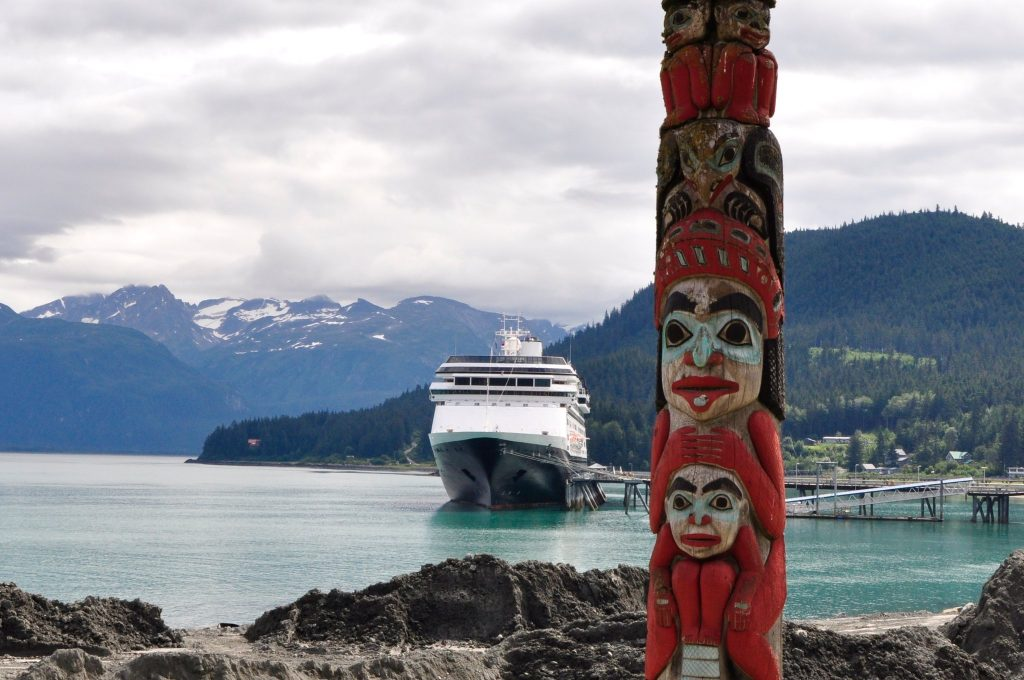 totem pole in haines.
